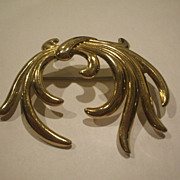 Monet Abstract Gold Tone Swirl Pin
