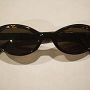 SOLD Nine West Tortoiseshell Lucite Cat's Eye Sunglasses