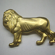 JJ Lion Animal Pin Matte Gold Tone