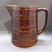 Marcrest Daisy Dot Brown 40 oz Pitcher