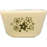 SOLD Pyrex Crazy Daisy Small Refrigerator Dish