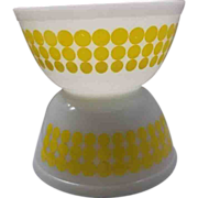 SOLD Pyrex Yellow New Dots 1 1/2 Qt Bowls Pair 402 Size - Red Tag Sale Item