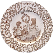 Royal Crownford Merry Christmas 1985 Plate Norma Sherman Staffordshire England Brown
