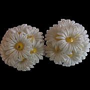 Hong Kong White Daisy Cluster Plastic Flower Clip Earrings