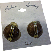 Enamel Brown Swirled Marbled Pearlized Enamel Circle Button Gold Tone Clip Earrings