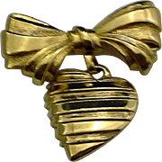 Avon Heart Dangling Gold Tone Pin Sentimental I Love You Mother
