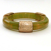 Creamed Spinach Bakelite Bangle Bracelet Gold Tone Elements
