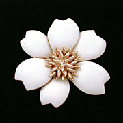 Ciner Large Creamy Winter White Enamel Flower Pin
