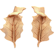 Trifari Leaf Earrings Textured Gold Tone with Shiny Curled Tip, Crown Trifari Leaves Clip On E