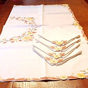 SALE Beautiful Vintage Madeira Yellow Flower Tablecloth and 4 Napkins