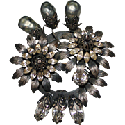 Vintage VENDOME Gunmetal Silvertone Faux Pearl Rhinestone Spray Wreath Brooch