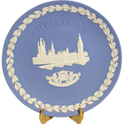 Vintage 1974 Wedgwood blue jasperware houses of parliament christmas collector plate mint cond