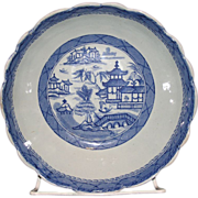Chinese export blue and white canton Scalloped edge serving bowl.