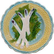 Beautiful French Majolica scalloped edge asparagus plate with a basket weave border