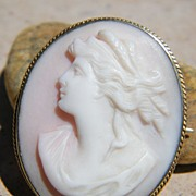 SALE Lovely Victorian Pink Shell Demeter Ceres Cameo Pin / Pendant
