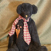 Great primitive jointed humped back Black Bear