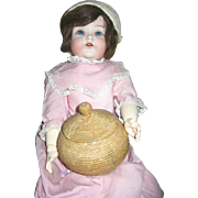 Fabulous Round Basket with Lid for Dolls