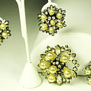 SALE Schreiner Rhinestone and Imitation Pearl Two Pin and Earrings Set