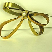SALE Walter Lampl 1/20 12kt Gold Fill and Cultured Pearl Bow Pin