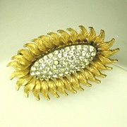 SALE Har 1950s Gold Plated Metal and Rhinestone Floral Pin
