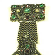 SALE Vintage Unsigned Hollycraft Jeweled Badge Brooch with Imitation Pearls