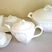 Villeroy & Boch Heinrich Bone China White/Blue Tea Set by Joop
