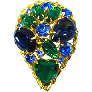 Delizza & Elster Juliana Domed Brooch –Heart Stone