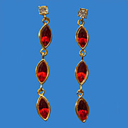 Swanky Dangling Red Rhinestone Earrings