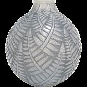 """R. Lalique """"Espalion"""" Gray Patina Fern Vase circa 1927"""