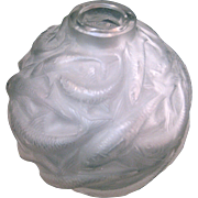 R Lalique Oleron Frosted Glass Vase with a School of Fish, circa 1927