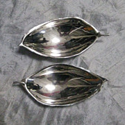 A Pair of Sciarrotta Sterling Silver Tobacco Leaf Dishes