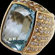 Breathtaking 14K Yellow Gold Aquamarine & Diamond Ring