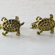 SALE Vintae Goldtone Textured Turtle Cufflinks
