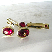 SALE 4 Piece Parkway Cufflinks Set Red Star Cabochons and Rhinestones