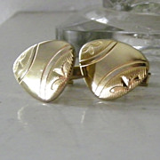 SALE Gold Tone Unsual Shape Etched Cufflinks