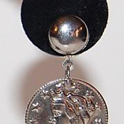 SALE 1970/80s Lady Liberty Silvertone Dangle Earrings