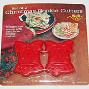 SALE 1980s Set of 2 Christmas Bell Cookie Cutters