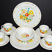 SALE 1970/80s Noritake ~ Crazy Quilt ~ 16-Pc Complete Dinner Set