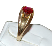 SALE 1930s Victorian Revival Faux Ruby Stone Belcher Gold Shell Ring ~ Size 6.5