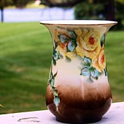 """SALE Bavaria 1930's Hand Painted """"Yellow Roses"""" Flared 4-3/4"""" Vase by Artist .."""