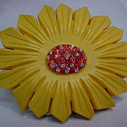 Vintage Carved Yellow Bakelite Sunflower Flower Pin