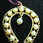 Vintage 14K Gold Large Horseshoe W/Simulated Pearls Charm