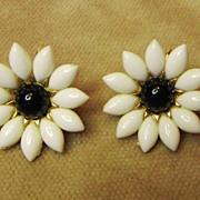 Crown Trifari Rhinestone Flower Earrings