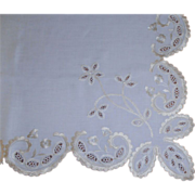White Linen & Lace Table Cover