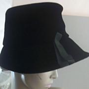 SOLD Vintage Sultry Black-Velvet Picture Hat with Cartwheel-Brim