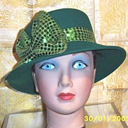 Green Wool Felt Cloche Hat With Wide Green Sequin Band Bow