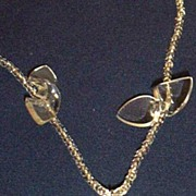 Vintage Lucite Carved Flower Drop Button Necklace With Lucite Bow Ties