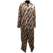 SALE PENDING ST Bernard Dog On Leopard Ground..Satin Pajamas..Big Dog Pajamas...Size Medium...