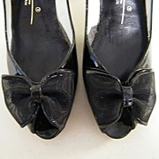 Vintage Black Patent Open Toes With Bow..Shaped High Heels..Caressa Spain..Size 7.5..New Condi