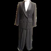 Women's...Tuxedo Pants Suit Suit By Le Suit..Black  Crepe..Satin Shawl Neck & Waistband ...